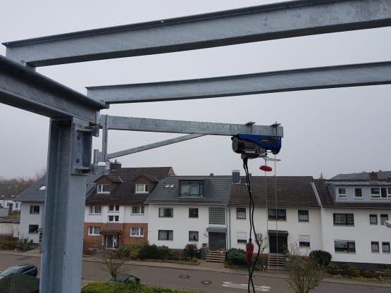 Schwenkbarer Kran für Balkon