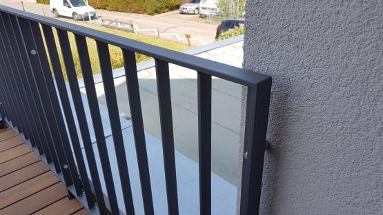 Stahlgeländer duplexbeschichtet mit Füllstäben