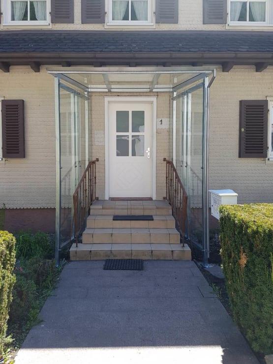 Neues Vordach über die komplette Treppe
